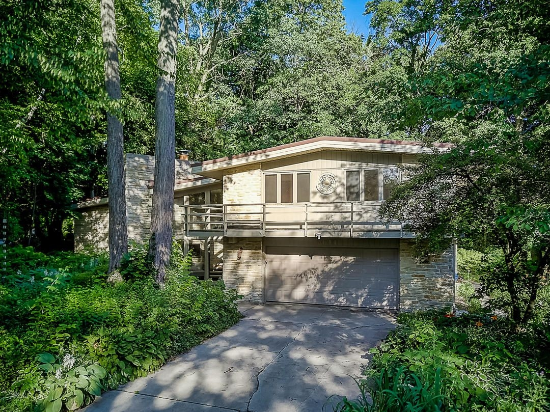 3611 W Normandy Ct Mequon Wi 53092