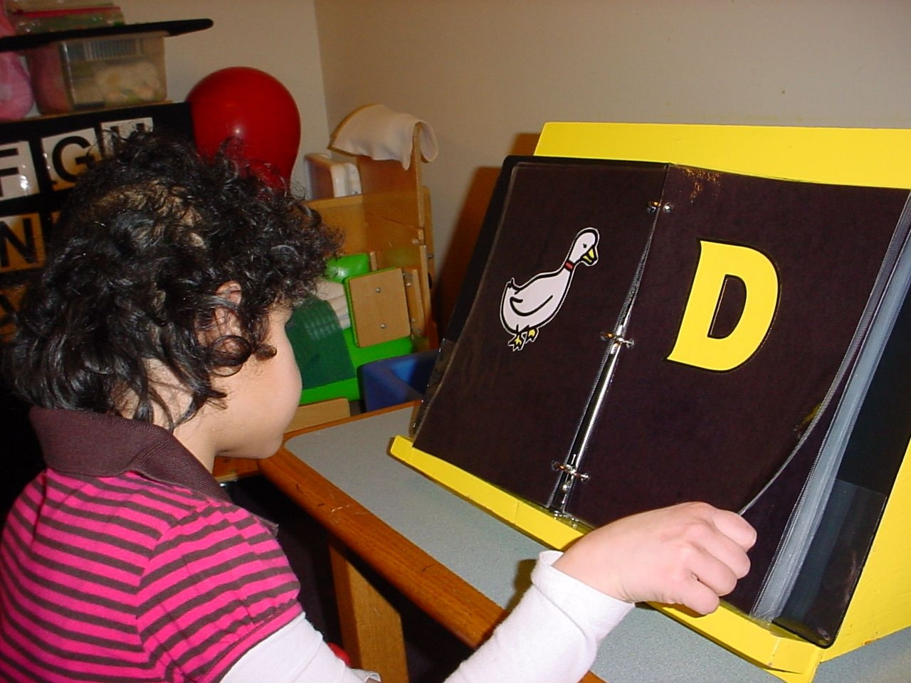 Teaching Letter Differentation To Students Who Are Blind